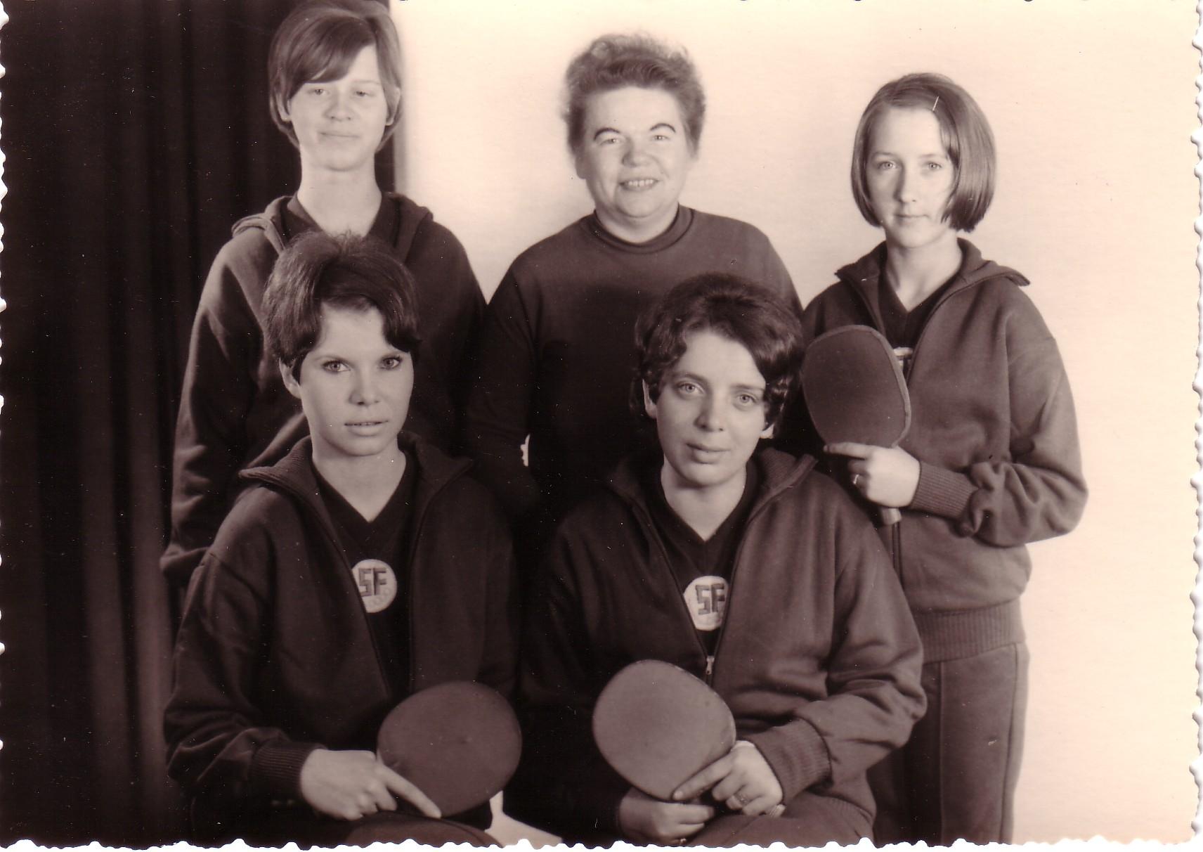 Mädchenjugendmannschaft um 70er